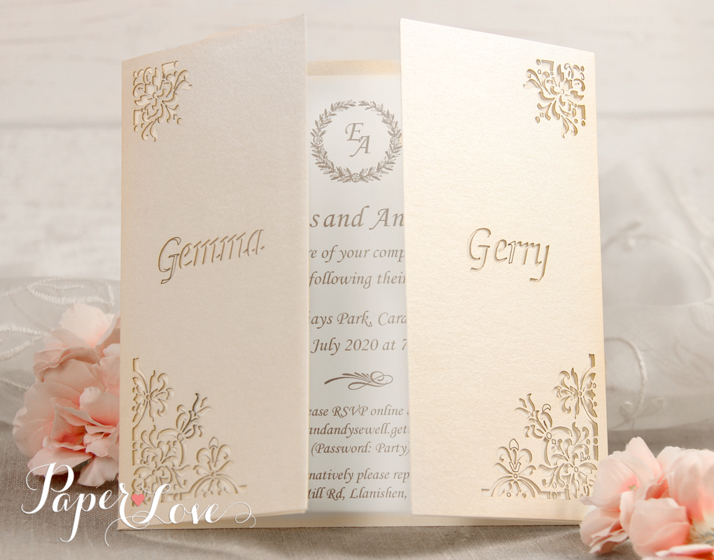 White Wedding Invitations: GOLD / SILVER / ROSE GOLD FOIL Personalised White Wedding
